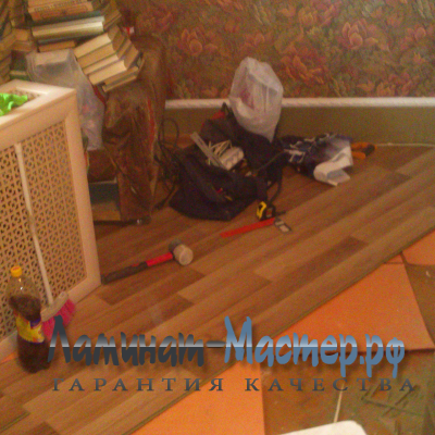 Укладка ламината по диагонали с передвижением мебели